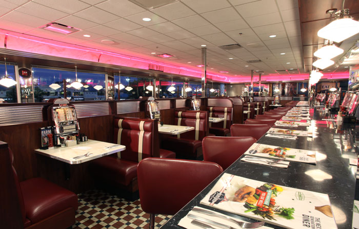 Silver_Diner_Interior_View